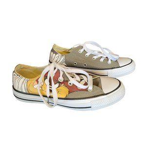 NWOT CONVERSE Khaki Looney Tunes Sneakers 3.5